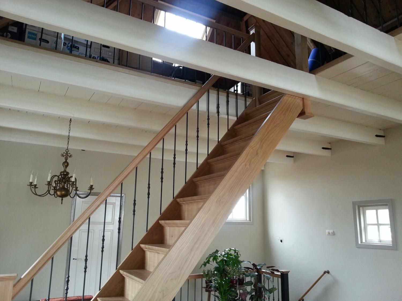 Eiken trap met smeedijzeren spijlen - Foto 3