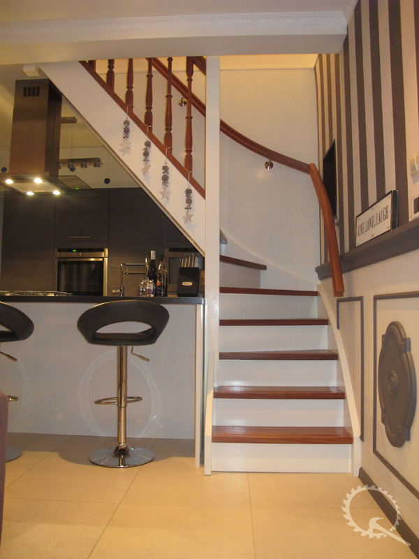 Soorten houten trappen type trappen mahonie dichte for Trap onderkwart