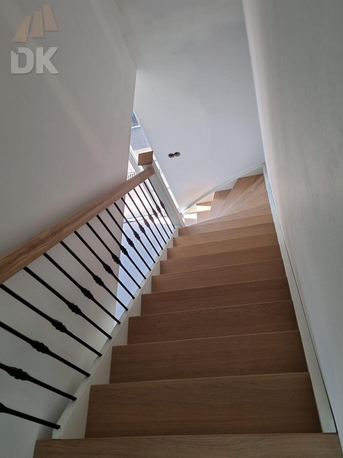 Dichte onder kwart trap  - Foto 6