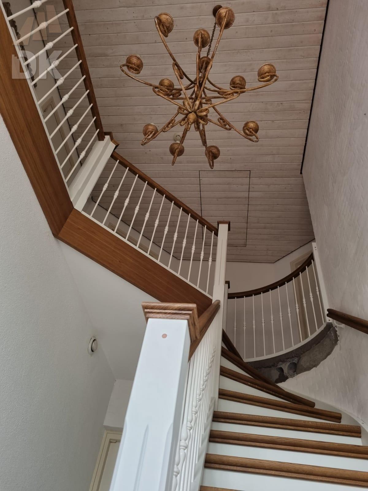 Prachtige klassieke eiken trap - Foto 5
