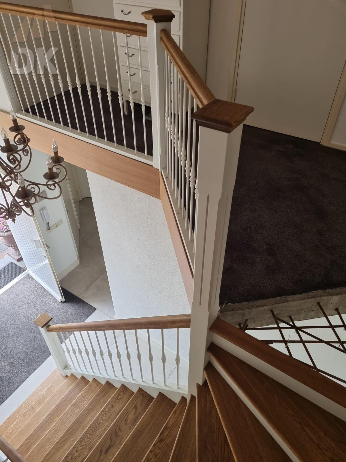 Prachtige klassieke eiken trap - Foto 3
