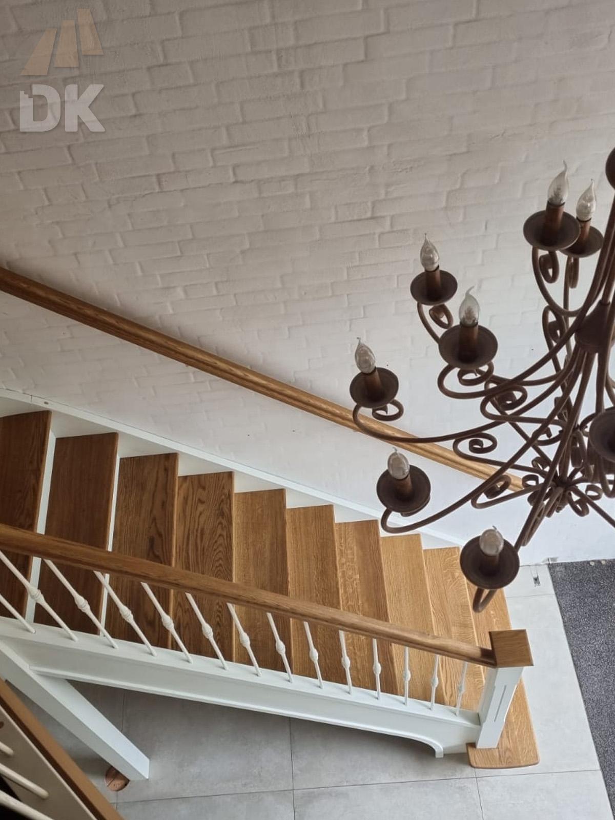 Prachtige klassieke eiken trap - Foto 4