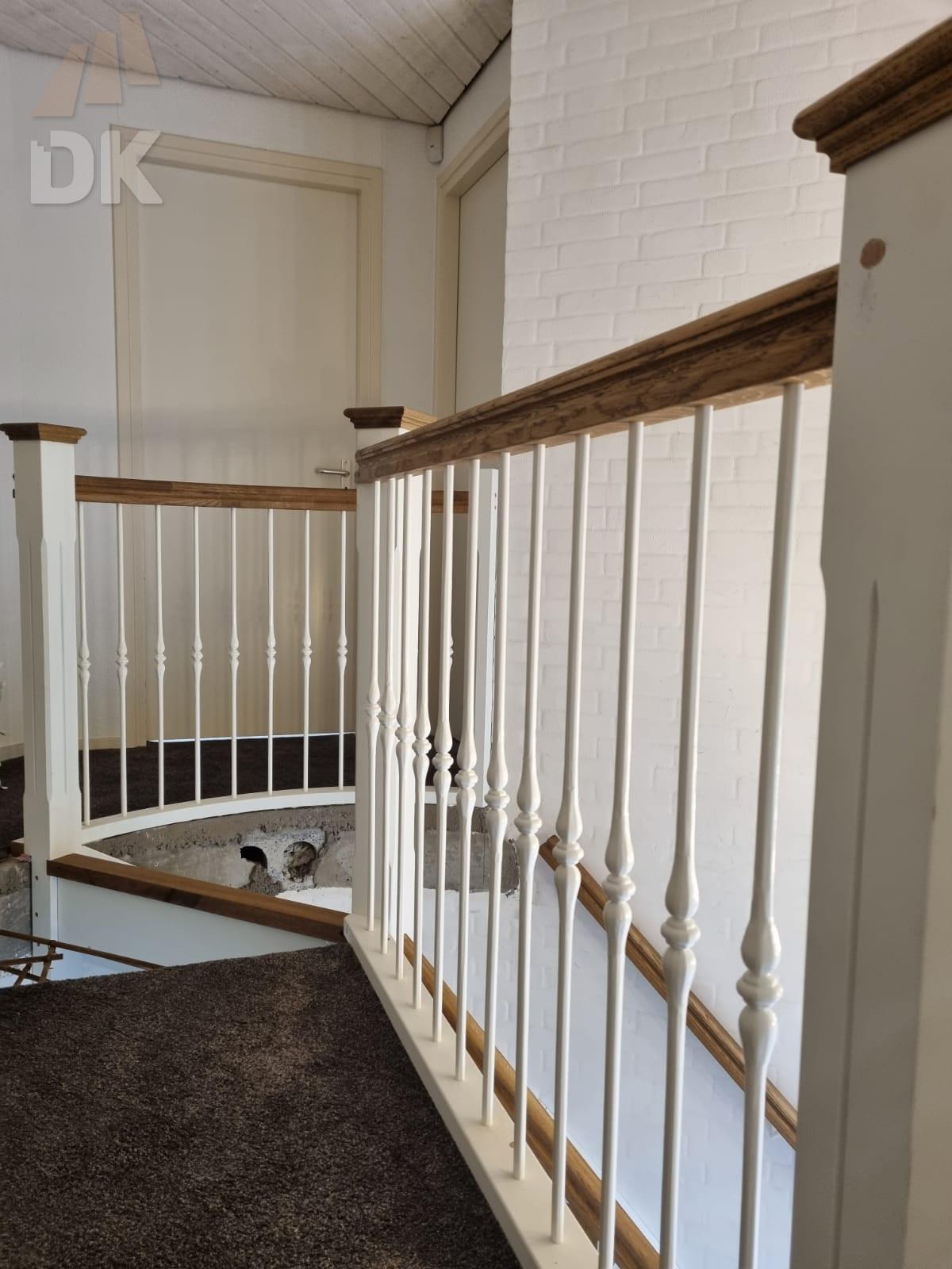 Prachtige klassieke eiken trap - Foto 10