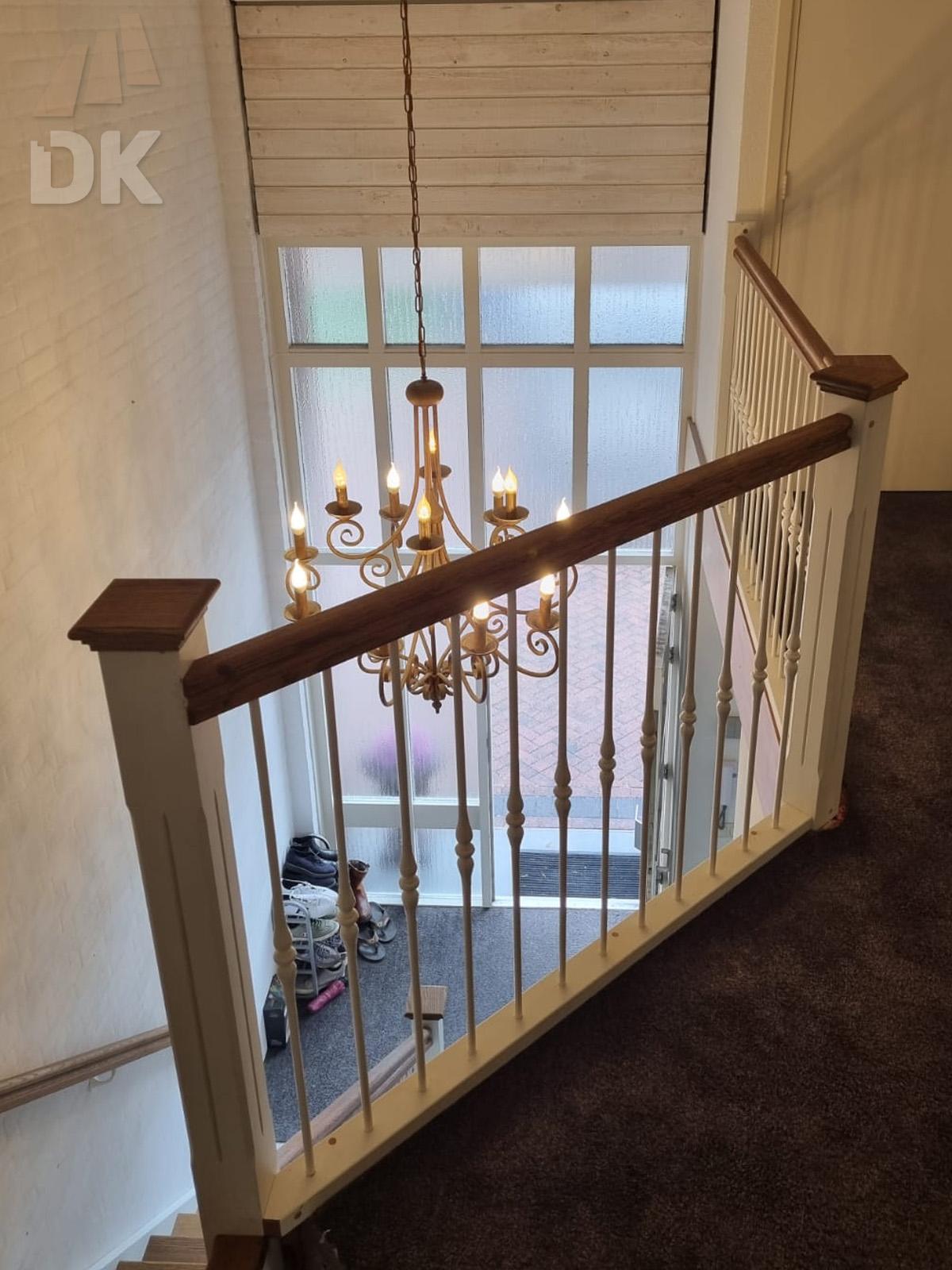 Prachtige klassieke eiken trap - Foto 11