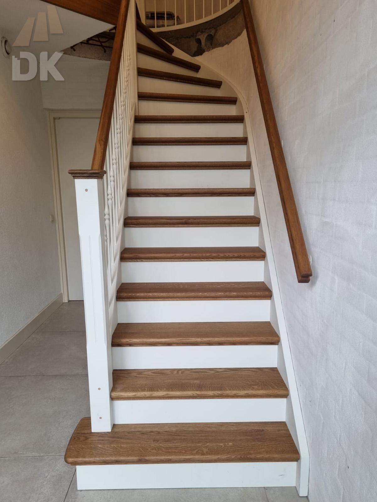 Prachtige klassieke eiken trap - Foto 13