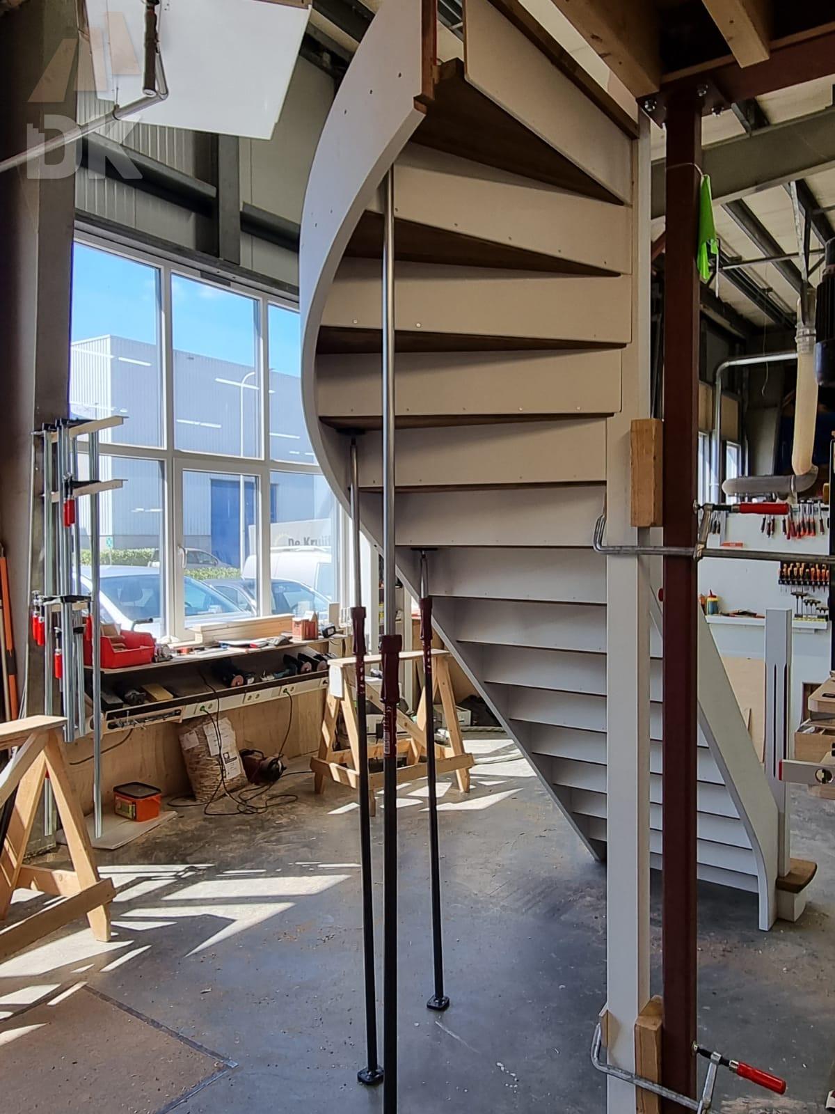 Prachtige klassieke eiken trap - Foto 23