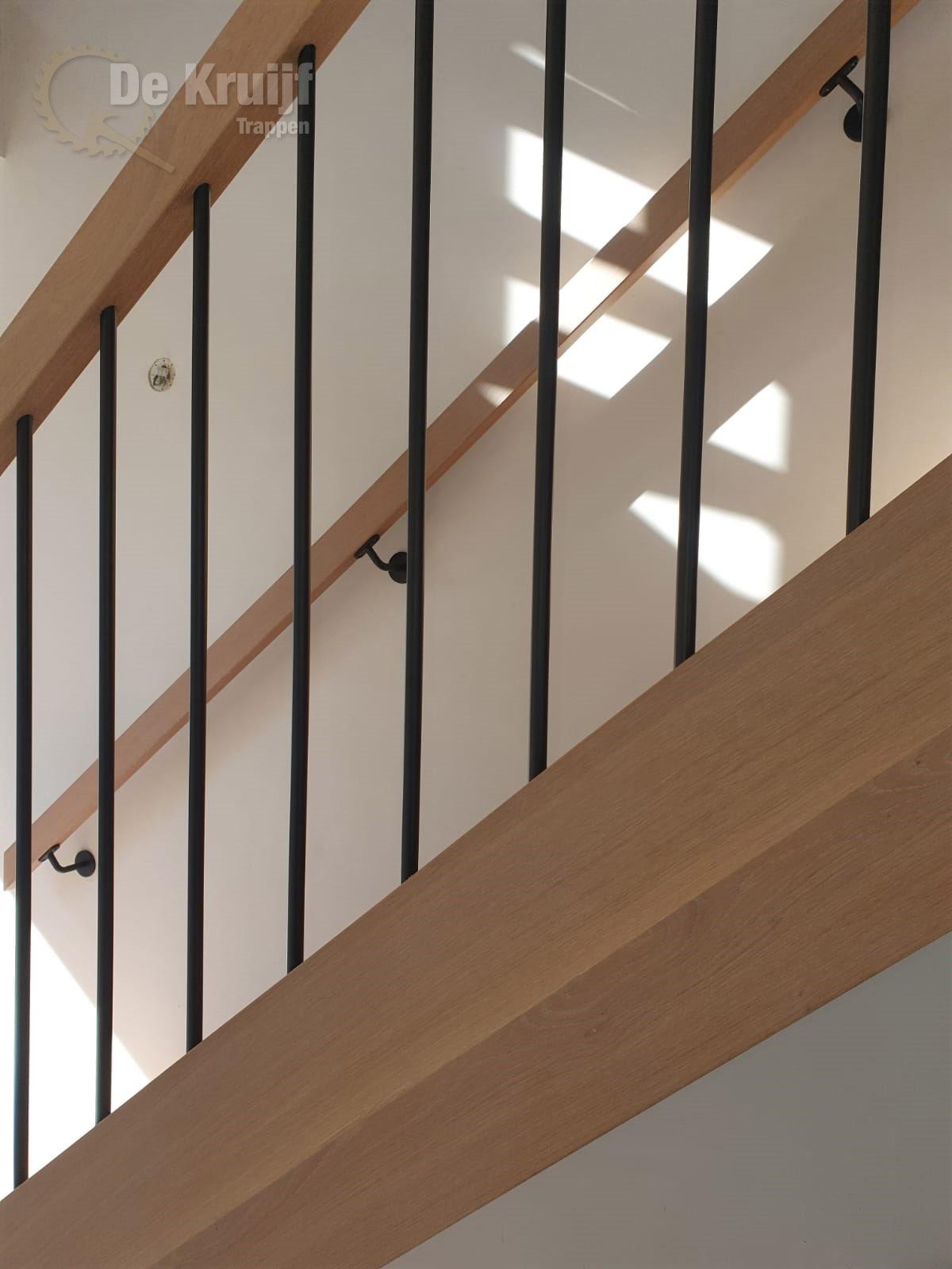 Eiken trappen met RVS spijlen - Foto 3