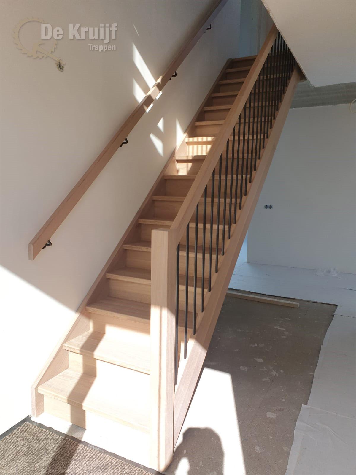 Eiken trappen met RVS spijlen - Foto 6