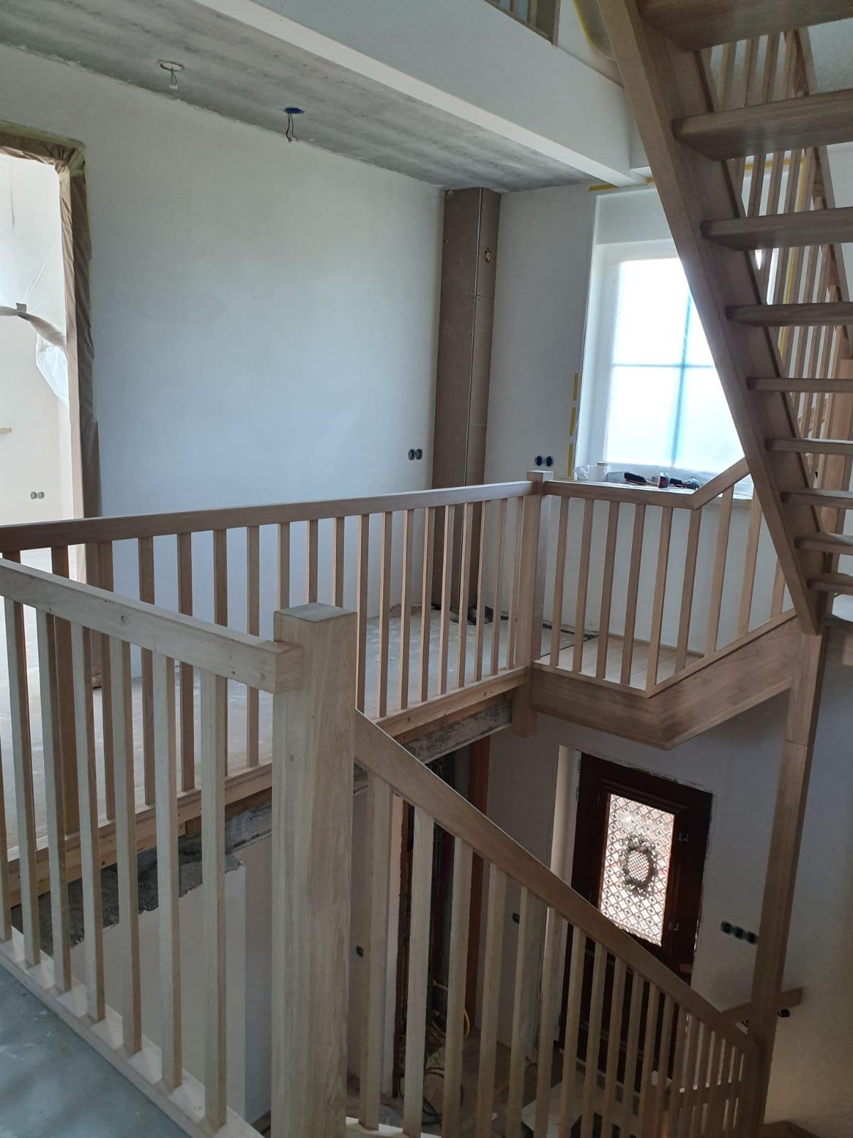 Trappen en trappenhuis - Foto 2