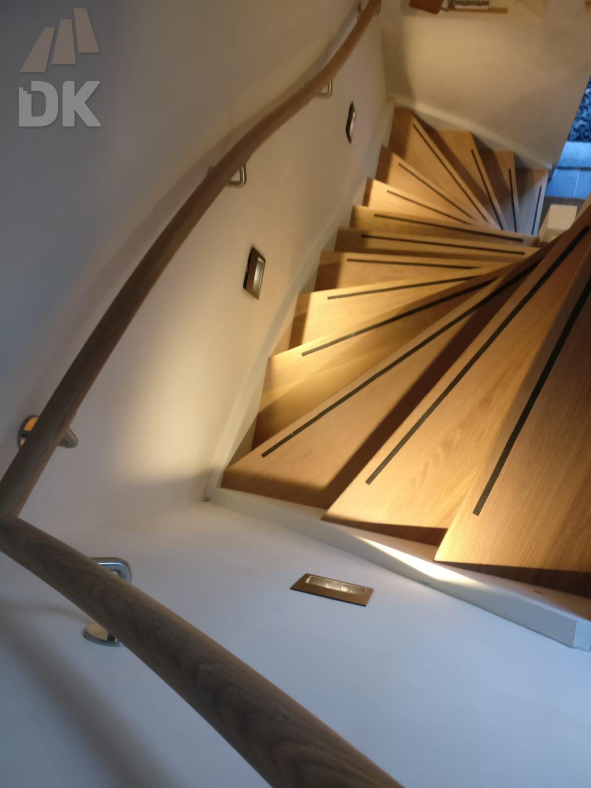 Hardhouten trap met eiken treden geolied - Foto 5