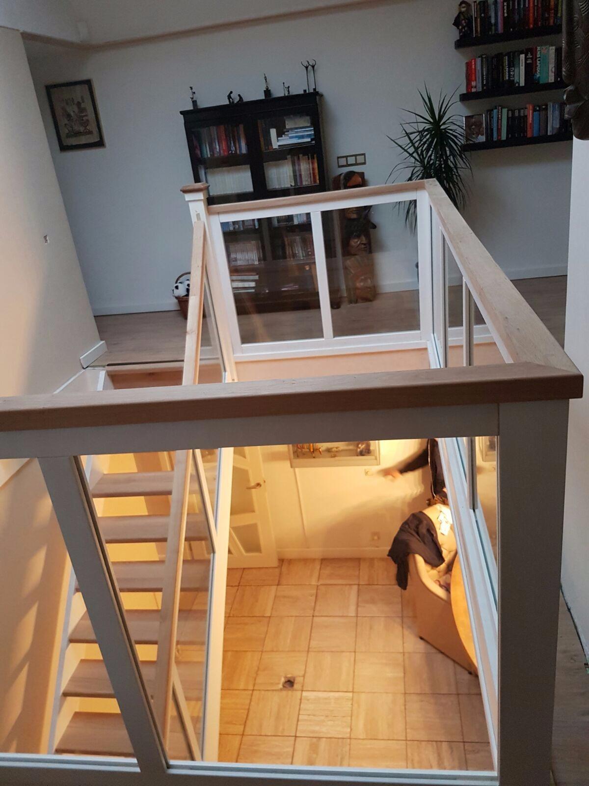 Hardhouten eiken trap glazen balustrade - Foto 10