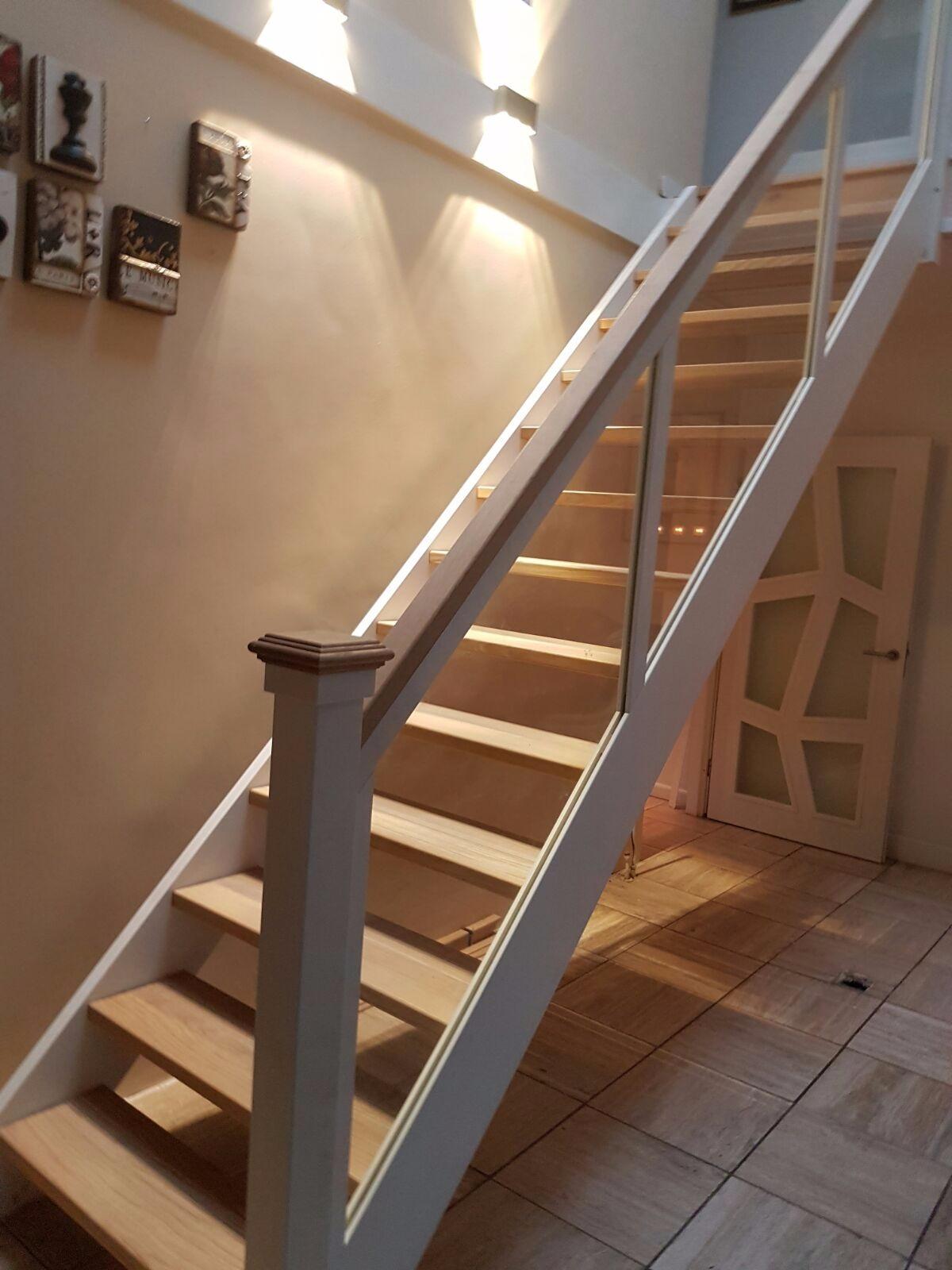 Soorten houten trappen trap in beeld hardhouten eiken for Balustrade trap