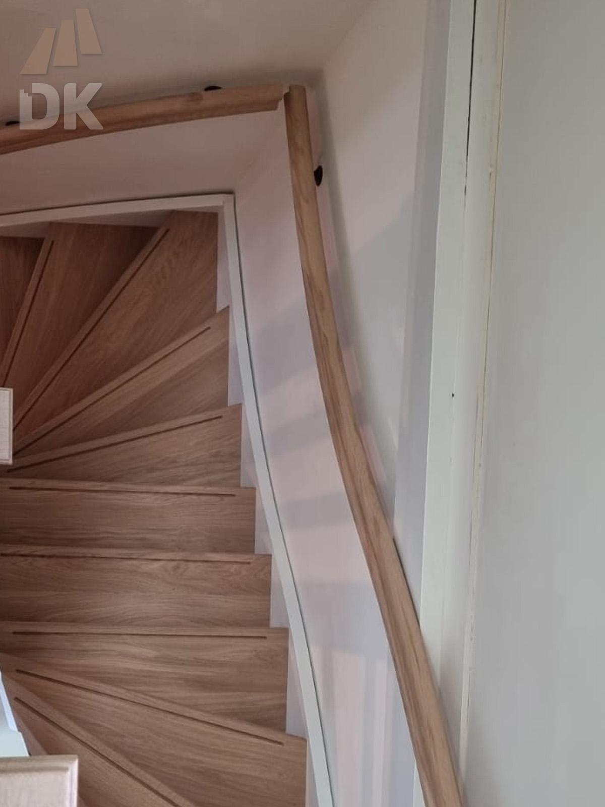 Hardhouten trap met eiken treden - Foto 6