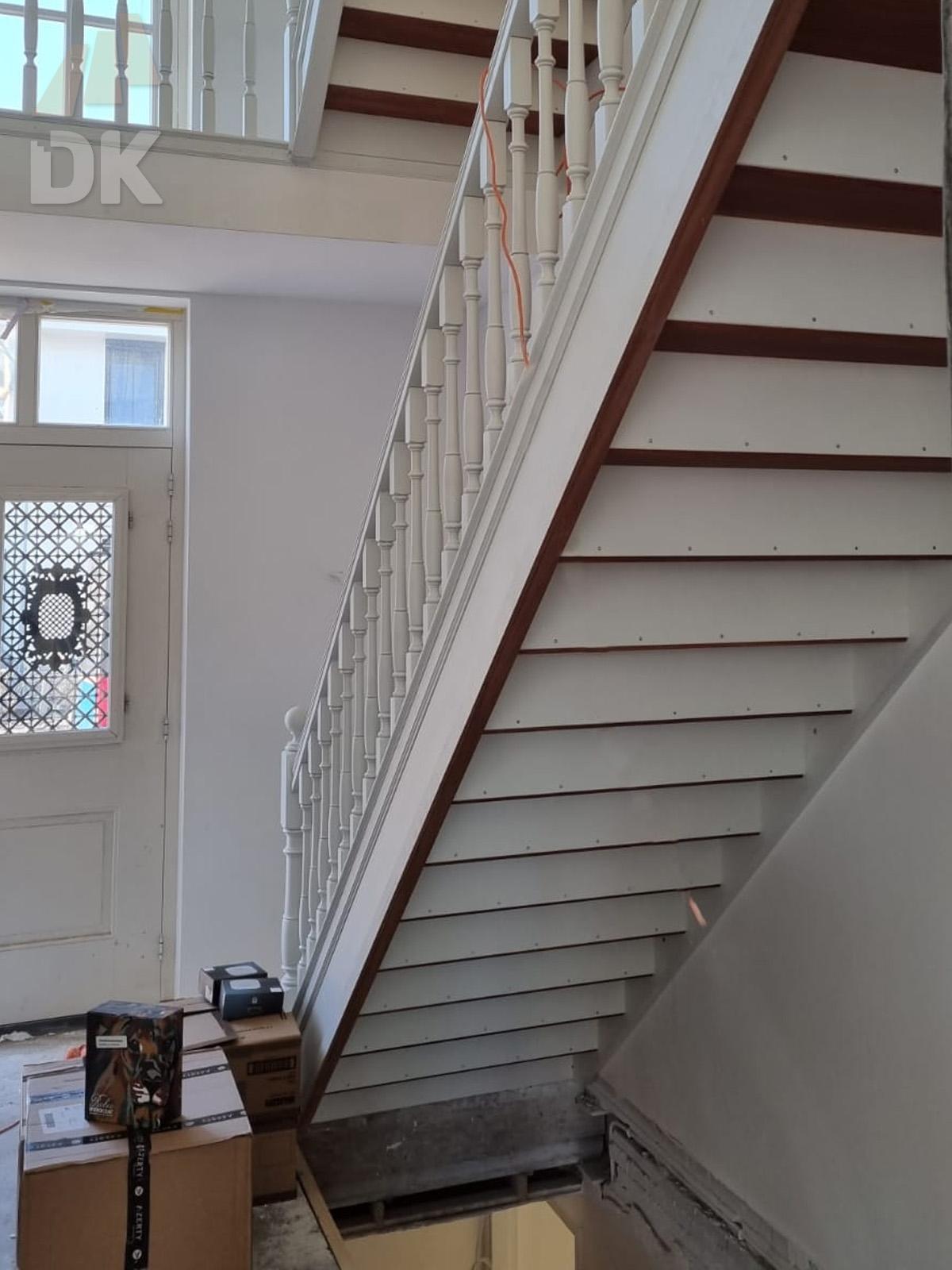 Prachtige mahonie trappen met eiken treden - Foto 3