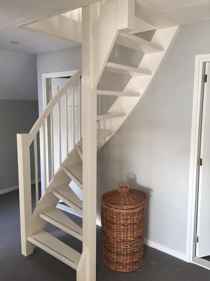 Onze trappenfabriek referenties trappenspecialist de for Van vlizo naar vaste trap