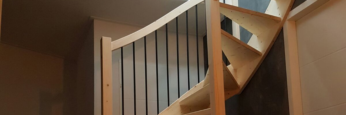 Onze trappenfabriek open trappen voordelen for Dichte trap maken