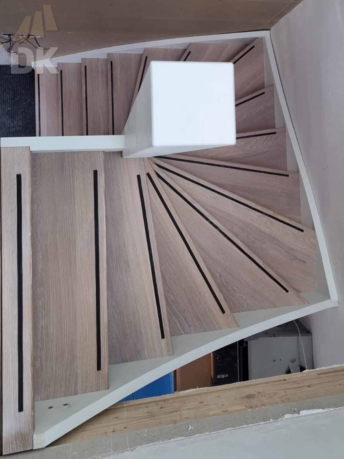 Witte open spiltrap - Foto 3