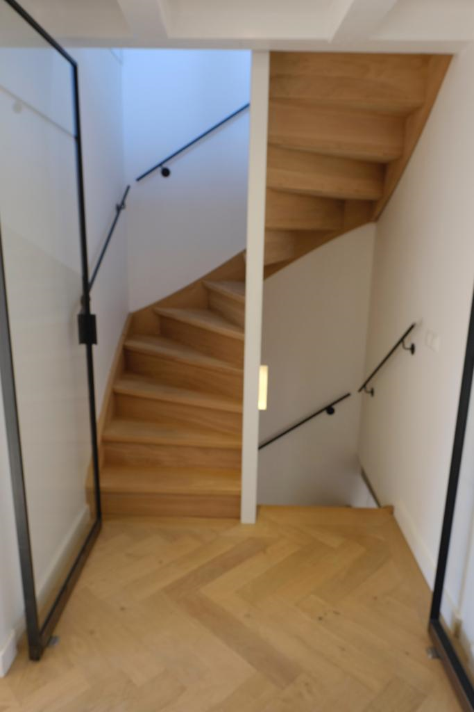 Wonderlijk Soorten houten trappen - Trap in beeld - Eiken trappen, jaren '30 IO-16