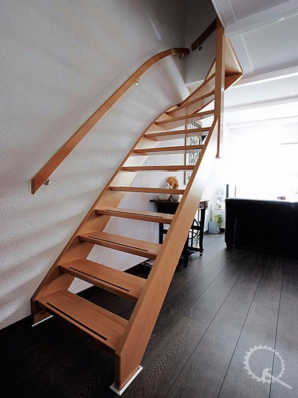 Onze trappenfabriek stalen trap vervangen for Houten trap plaatsen