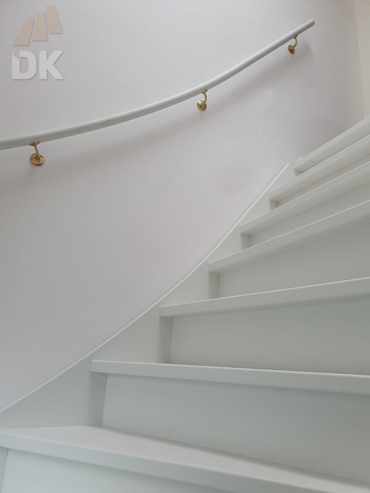 Stalen trap vervangen door houten trap - Foto 1