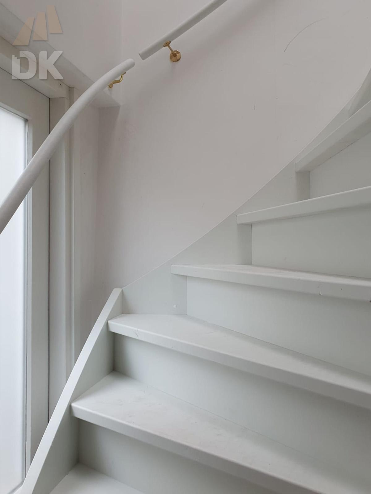 Stalen trap vervangen door houten trap - Foto 2