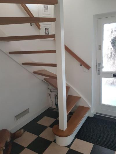 Soorten houten trappen trap in beeld foto 39 s en for Stootborden trap maken