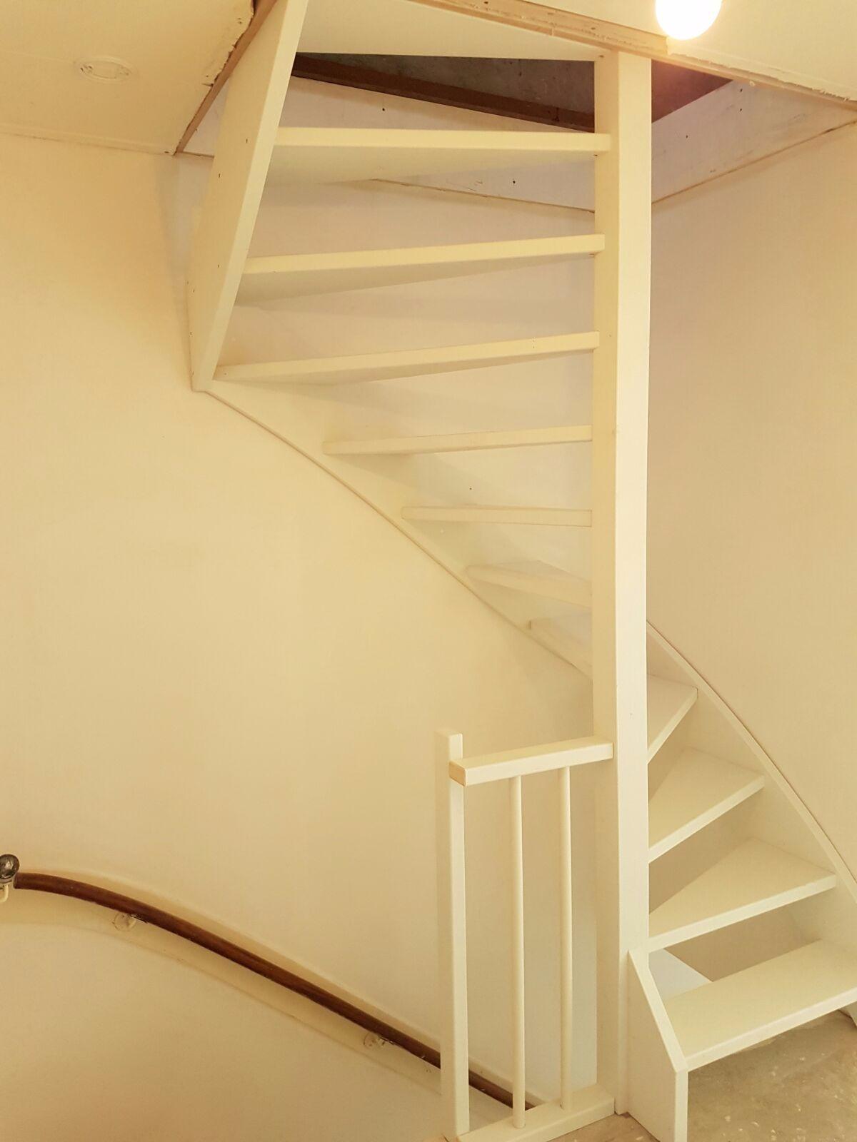 Soorten houten trappen modellen vlizotrap vervangen for 2 kwart trap