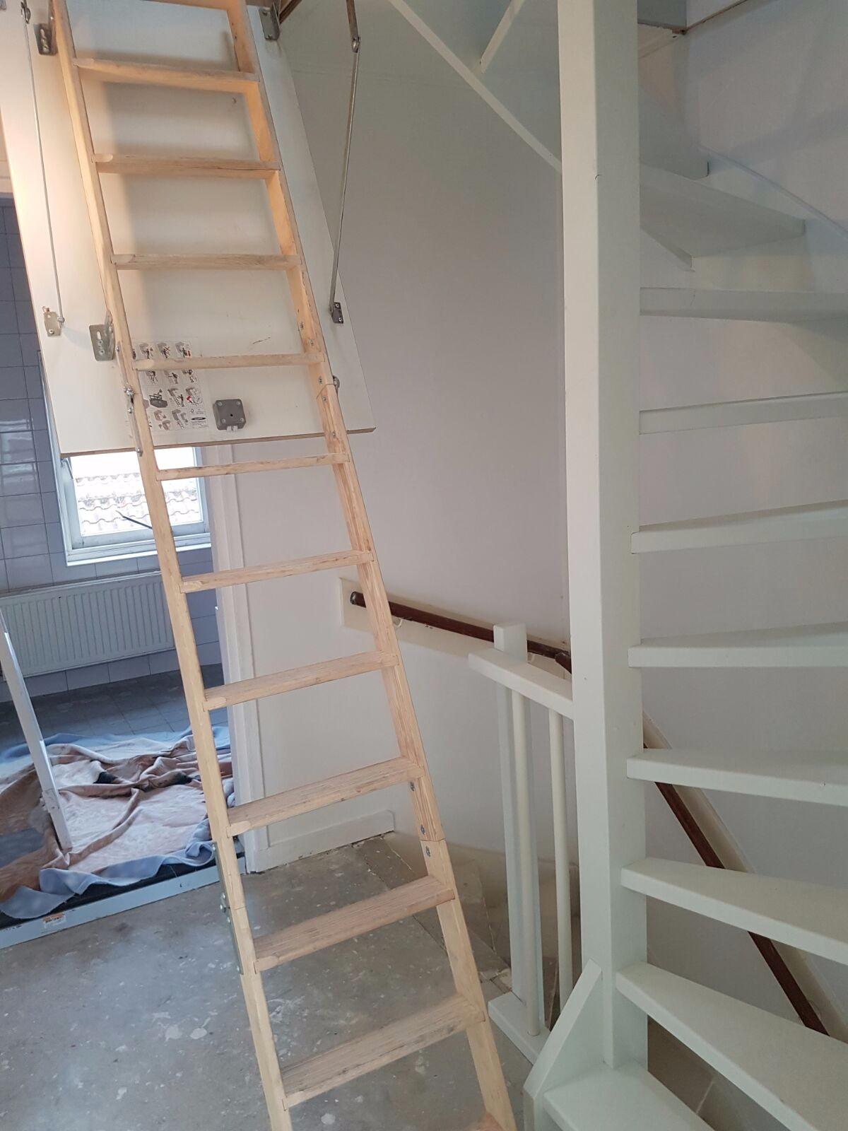 Soorten houten trappen trap in beeld vlizotrap for Houten vaste trap