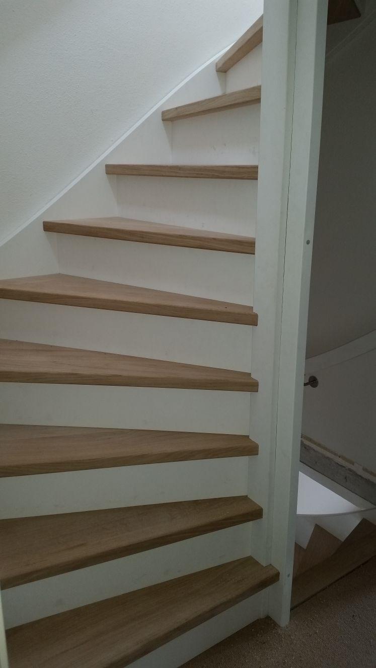 Stalen trappen vervangen voor houten trappen - Foto 2