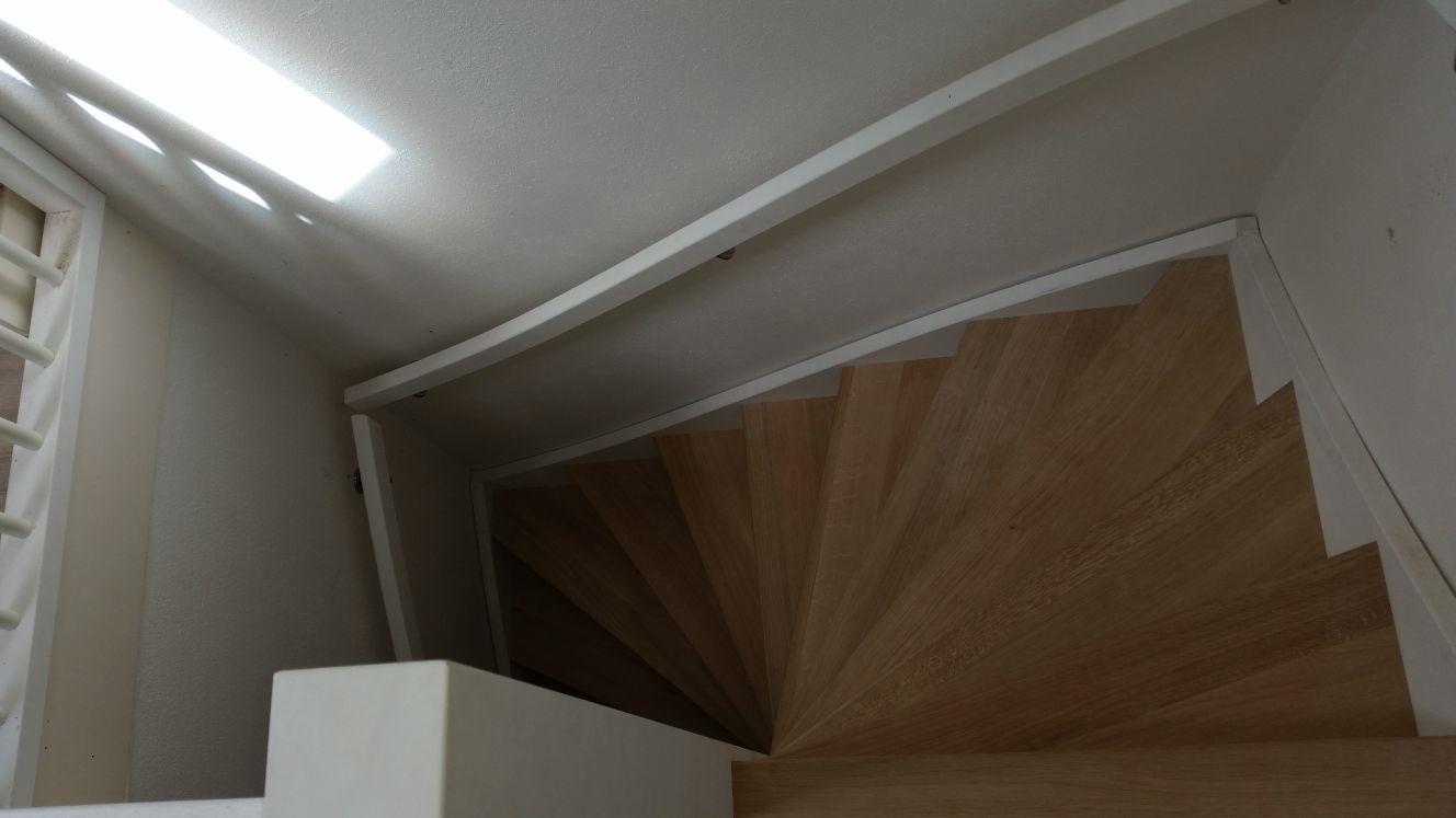Stalen trappen vervangen voor houten trappen - Foto 1