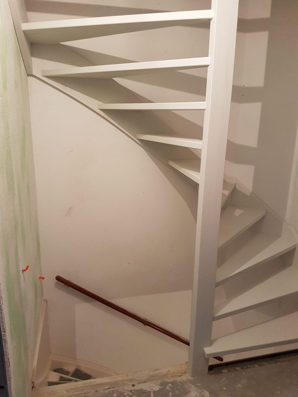 Trap naar zolder - Foto 2