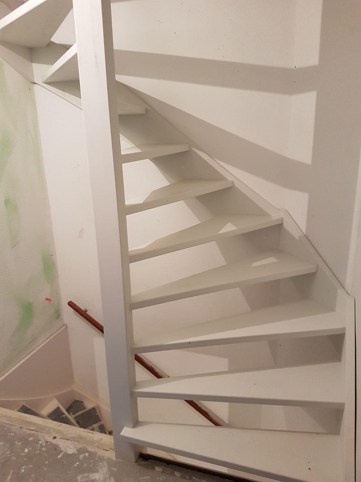 Soorten houten trappen trap in beeld trap naar zolder for Trap plaatsen naar zolder