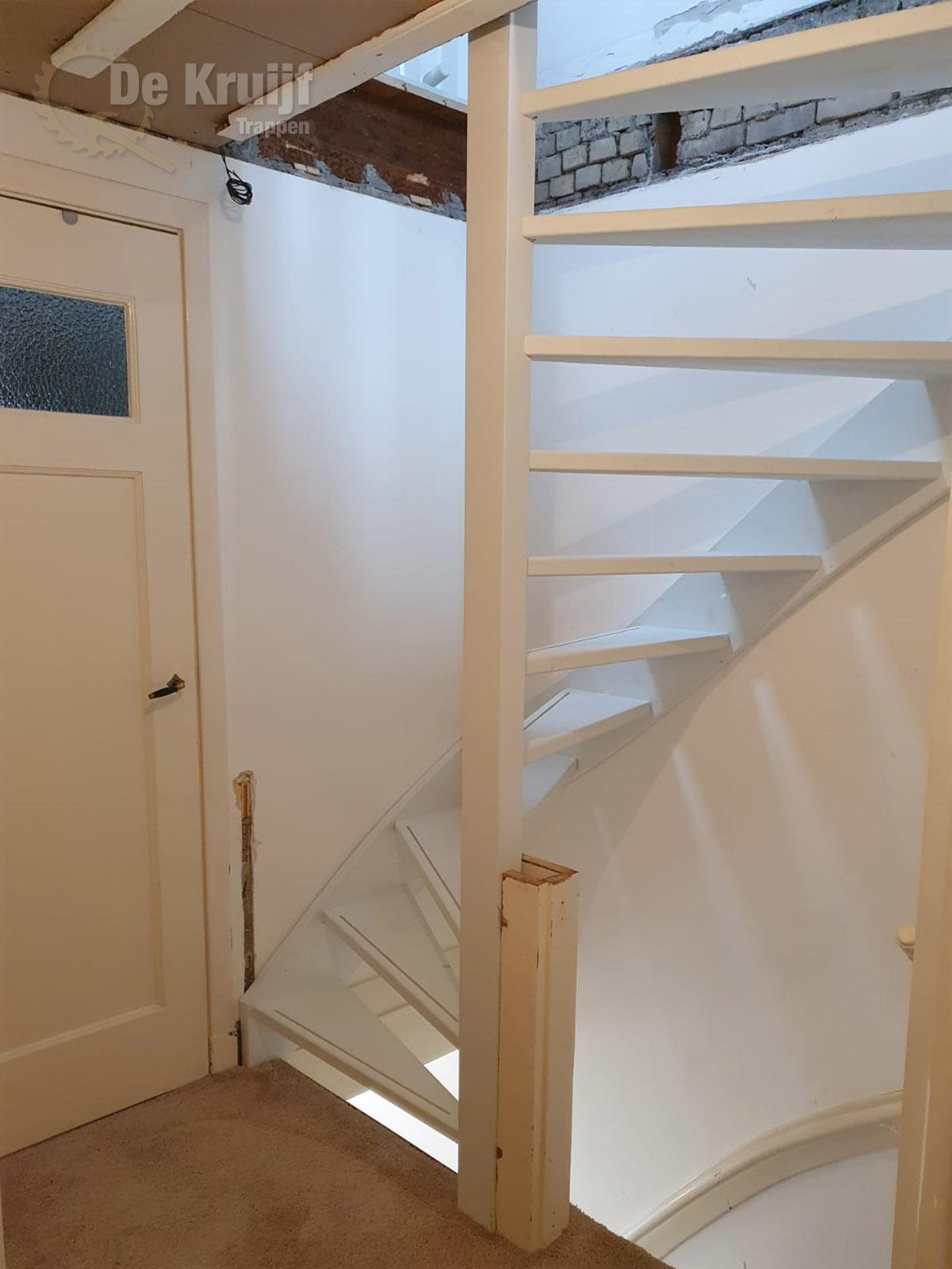 Open trap naar zolder - Foto 1