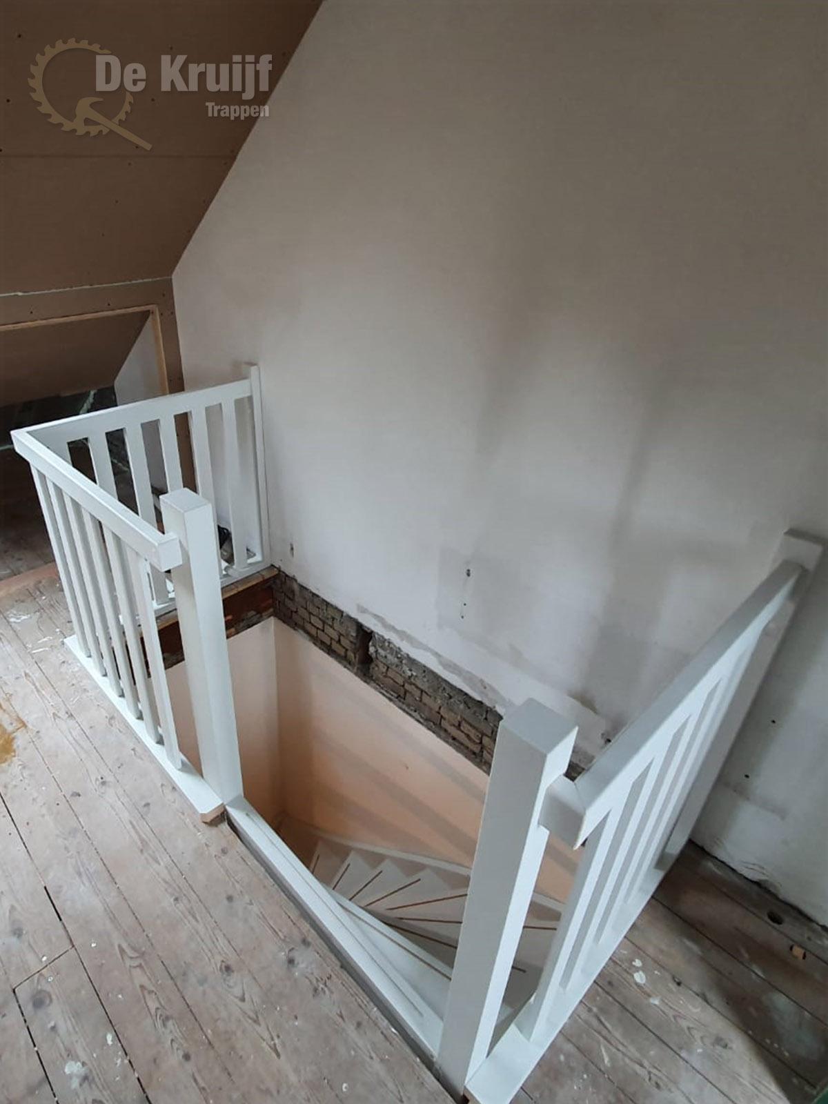 Open trap naar zolder - Foto 2