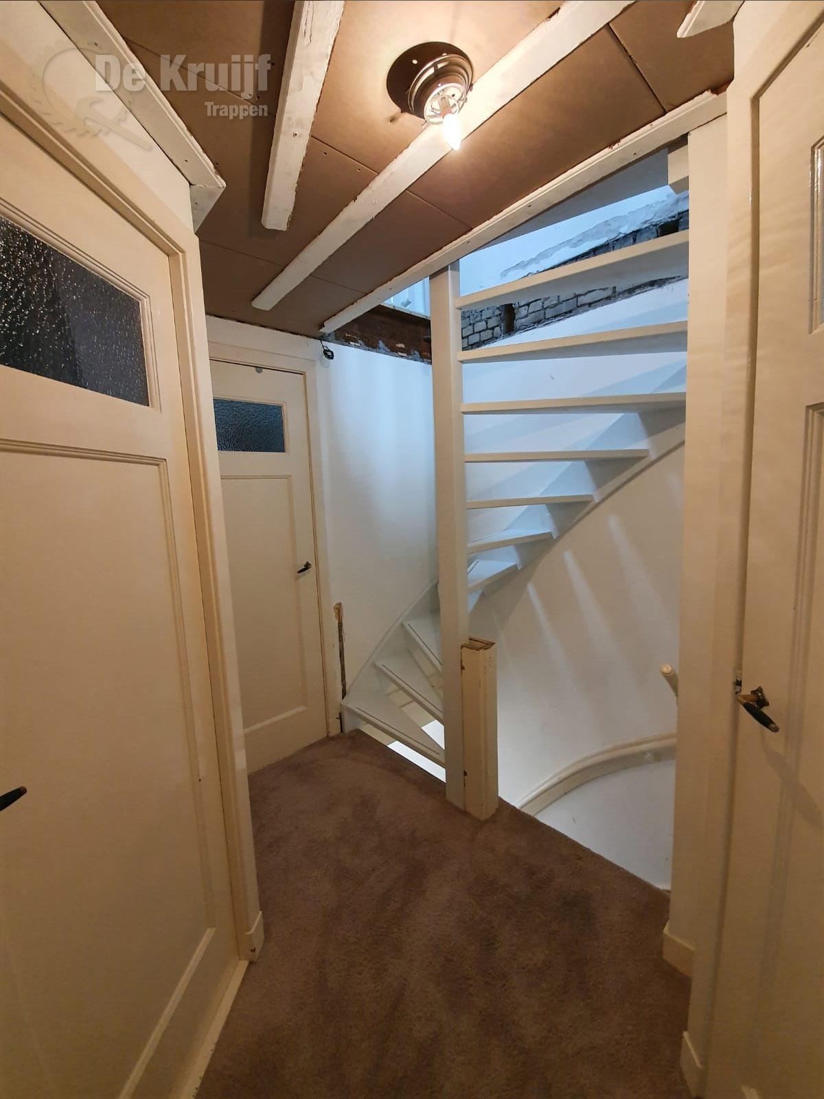 Open trap naar zolder - Foto 3