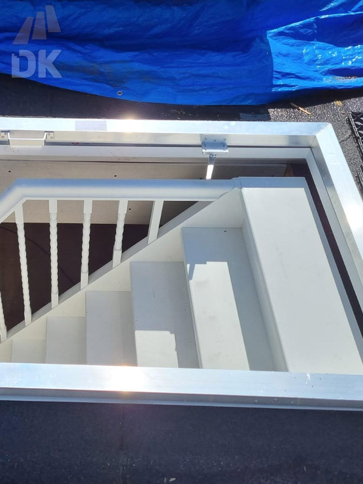 Dichte trap naar zolder en dakterras - Foto 6