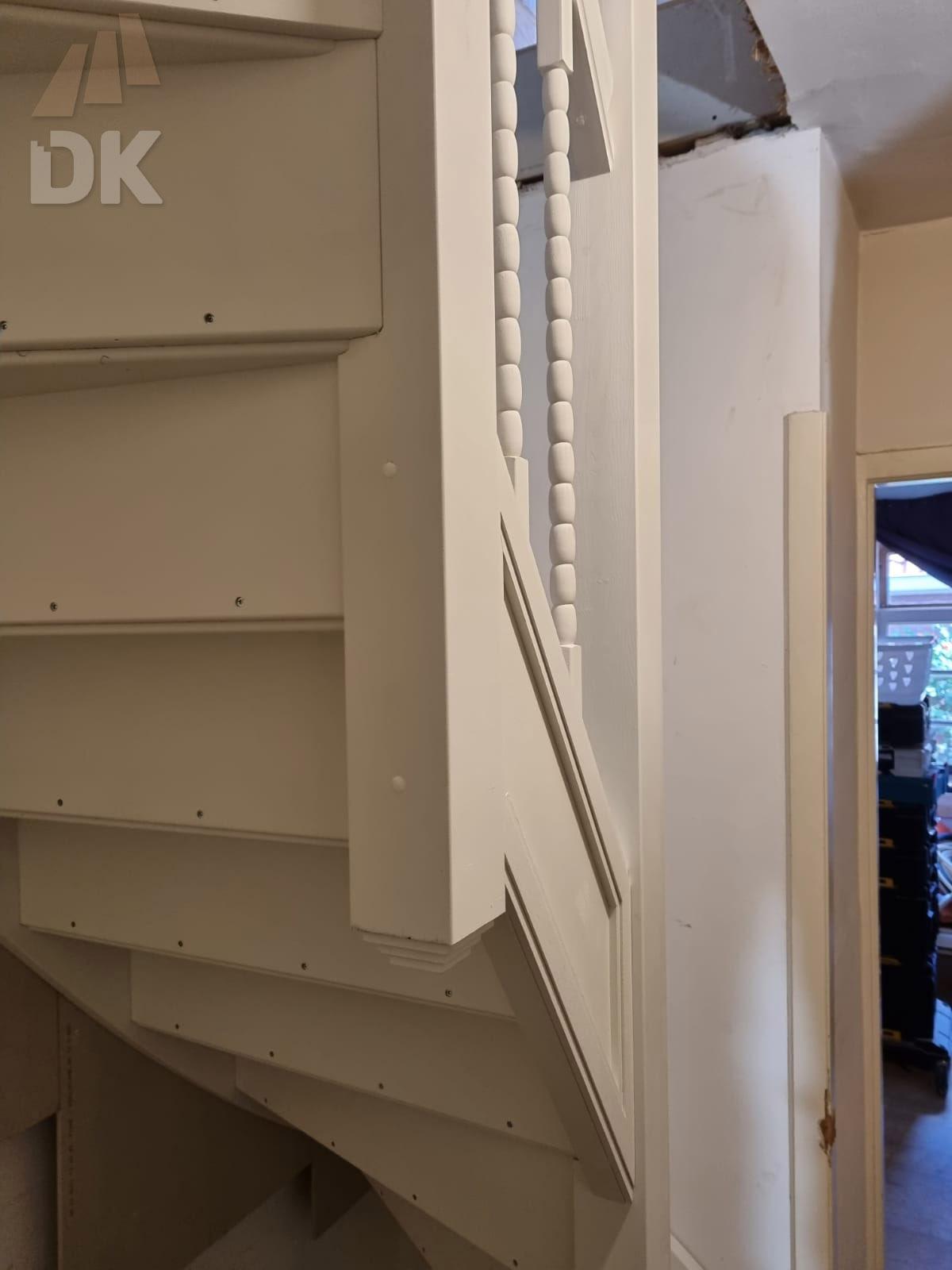 Dichte trap naar zolder en dakterras - Foto 2