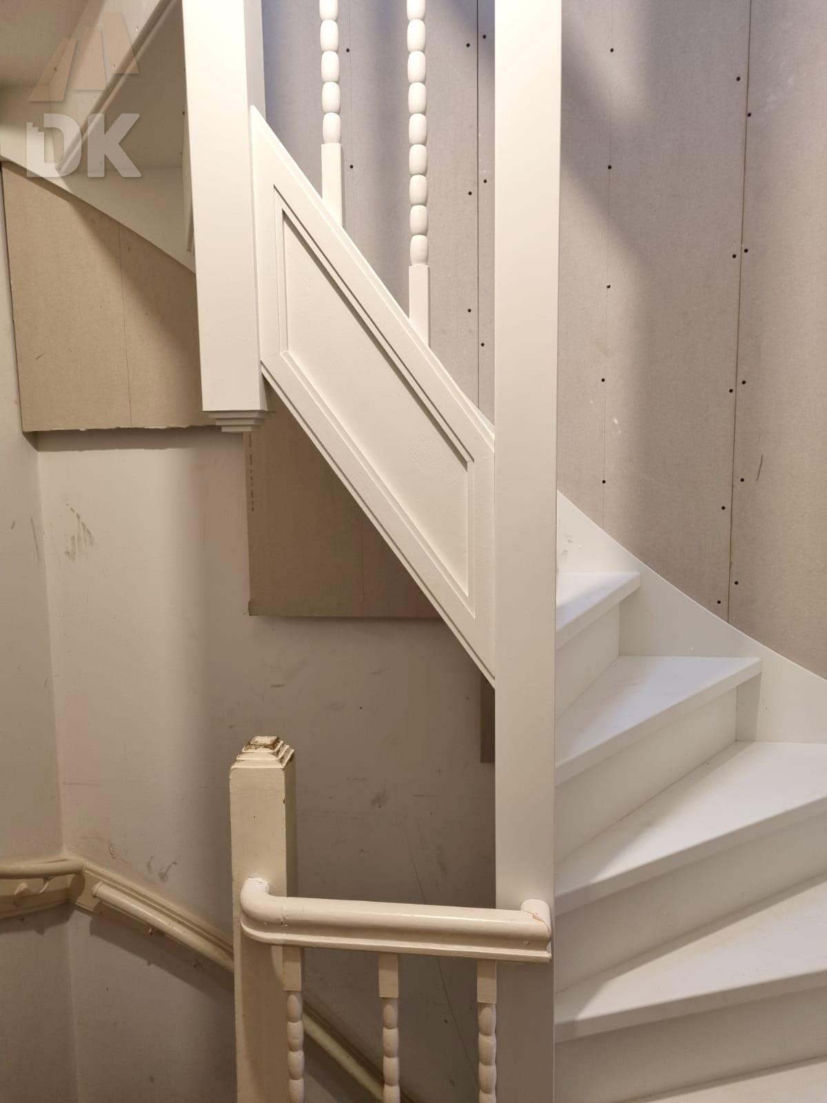 Dichte trap naar zolder en dakterras - Foto 4