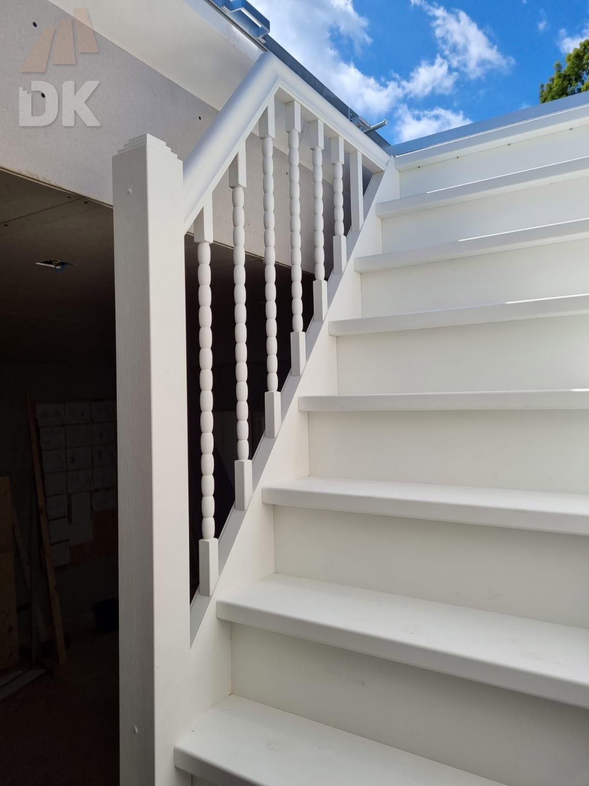 Dichte trap naar zolder en dakterras - Foto 1