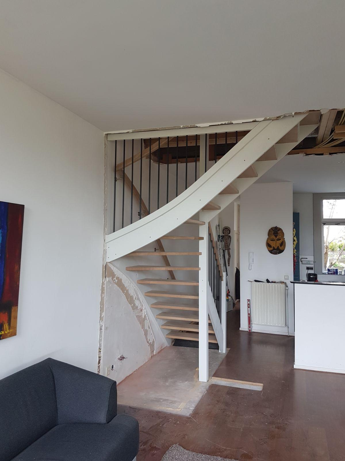 Open eiken trap, met hek - Foto 8