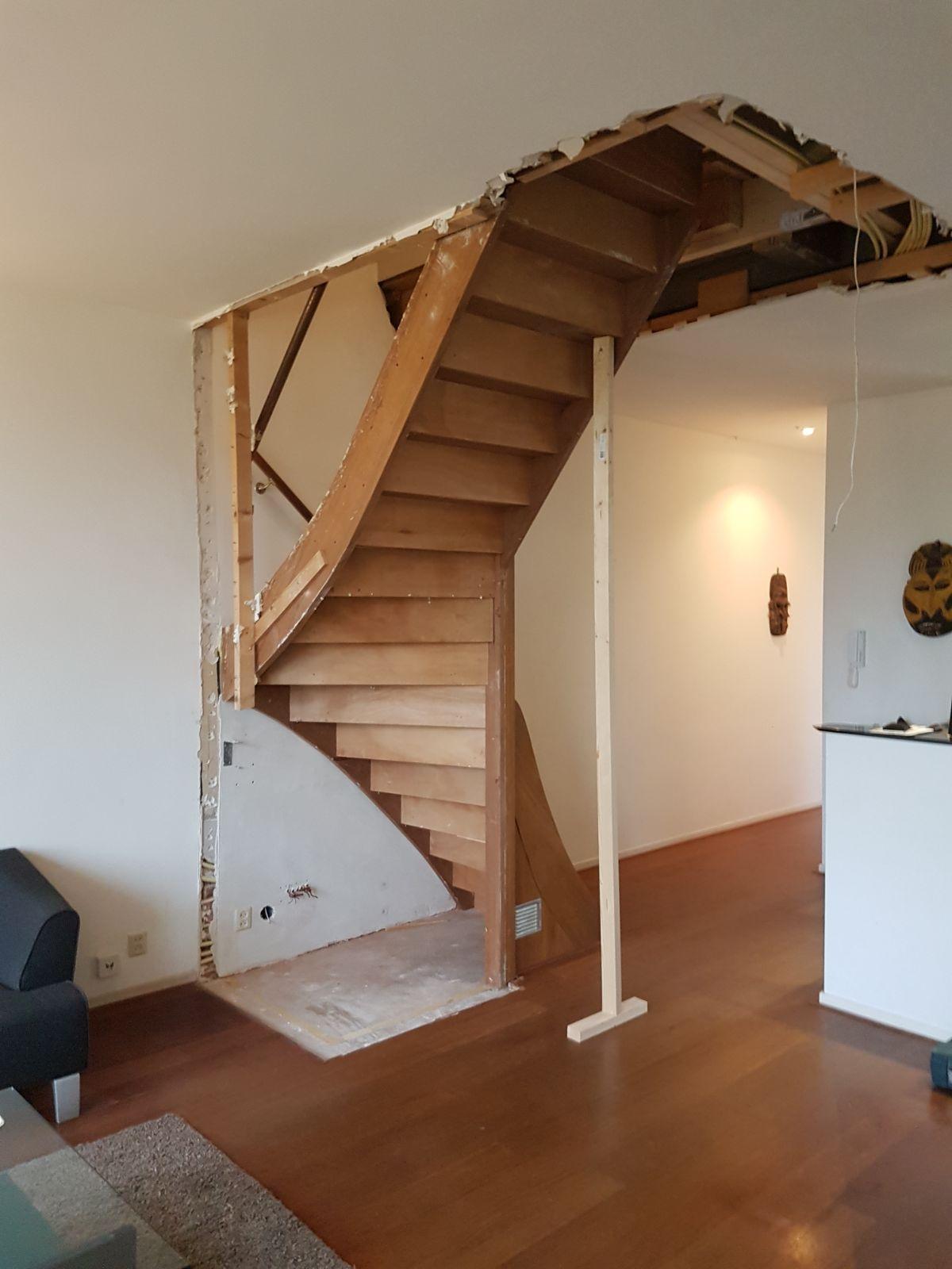 Open eiken trap, met hek - Foto 2