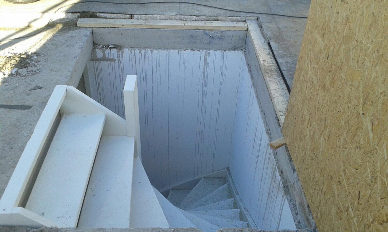 Onze trappenfabriek vaste trap naar zolder nieuwe for Nieuwe trap laten plaatsen