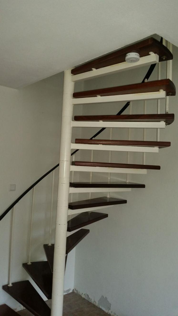 Stalen trappen vervangen voor houten trappen - Foto 7