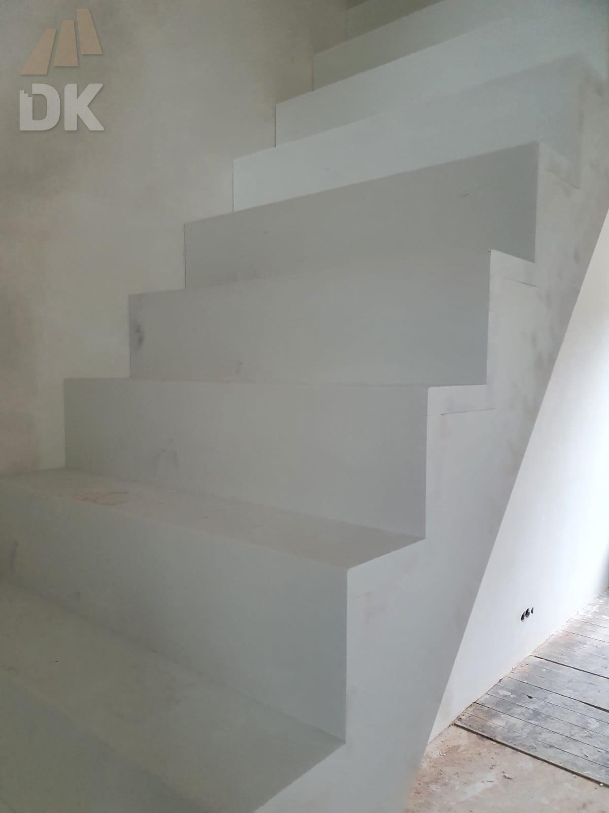 Bloktrap met bordes - Foto 3