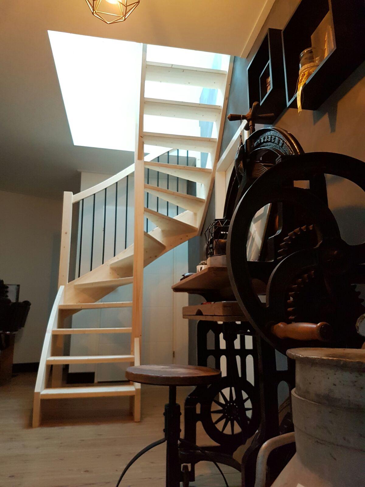 Soorten houten trappen trap in beeld houten trap met for 2 kwart trap