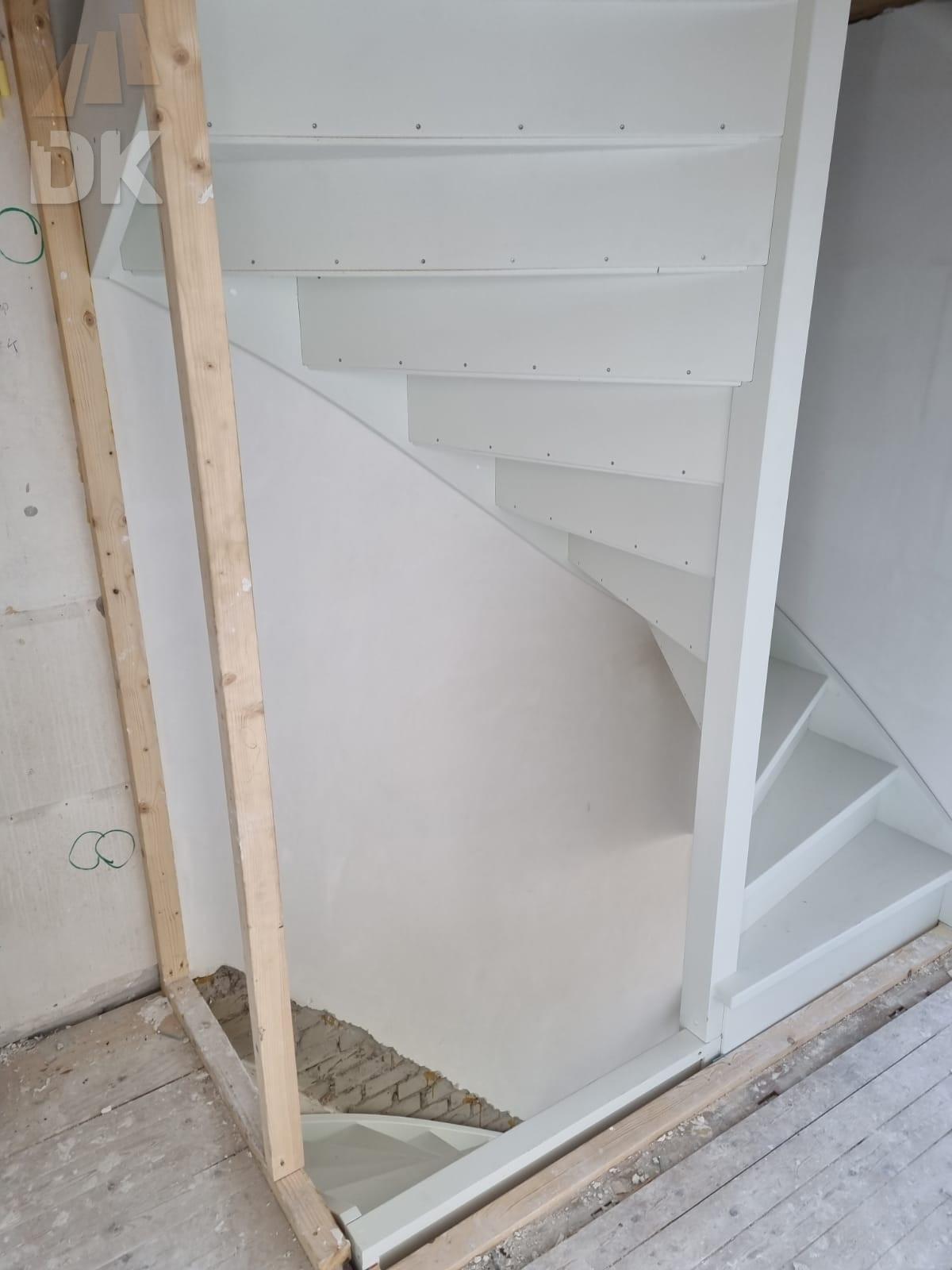 Stalen trappen vervangen - Foto 3