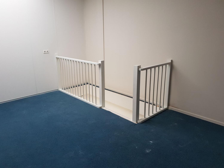 Houten trap bedrijfspand - Foto 3