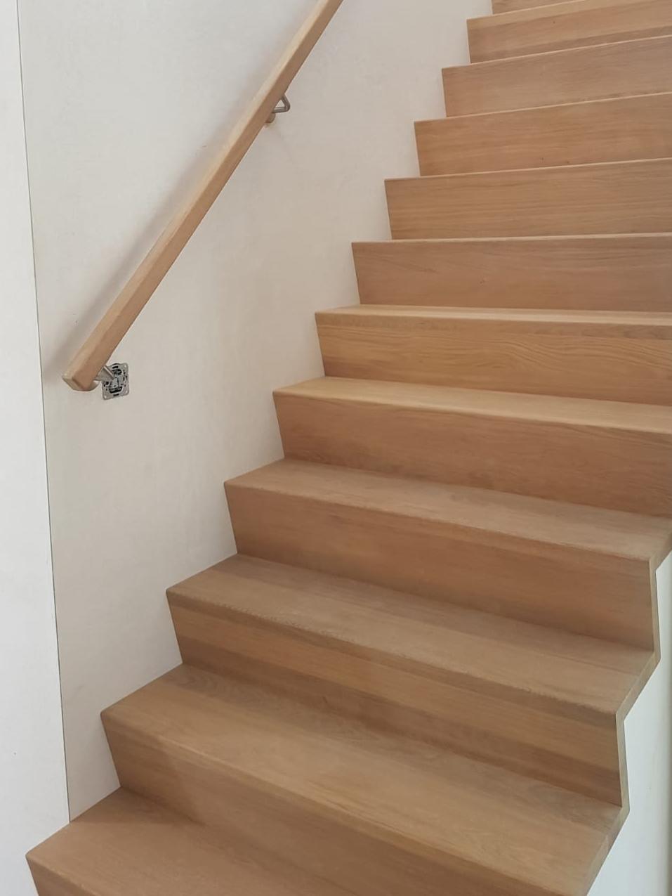 Soorten houten trappen trap in beeld z trap model for Steektrap hout